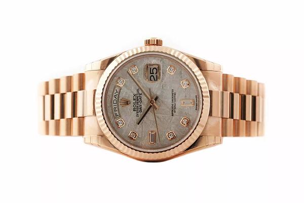 Đồng hồ Rolex mặt thiên thạch sang trọng và đẳng cấp